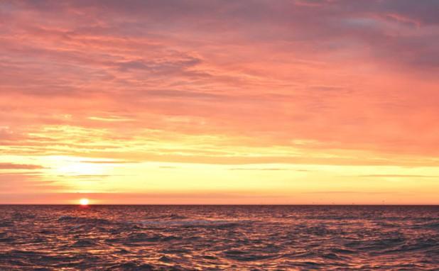 Zachód słońca - niska temperatura barwowa