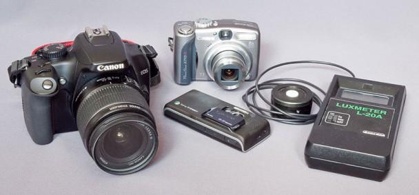 Pomiar natężenia oświetlenia aparatem fotograficznym