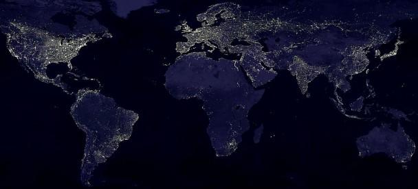Zanieczyszczenie światłem - widok nocny Ziemi