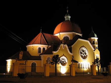 iluminacja kościoła w Nekli