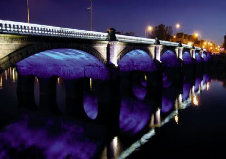 oświetlenie LED mostu
