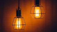 Tomasz Edison jest wynalazcą żarówki, dzięki którejwdomach nacałym świecie rozbłysło światło, zastępujące wykorzystywanej dawniej lampy naftowe. Obecnie można znaleźć wsklepach setki […]